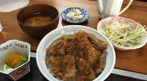 三宮のローストビーフ丼より春日野道のビフカツ丼〜神戸・春日野道「丼家」