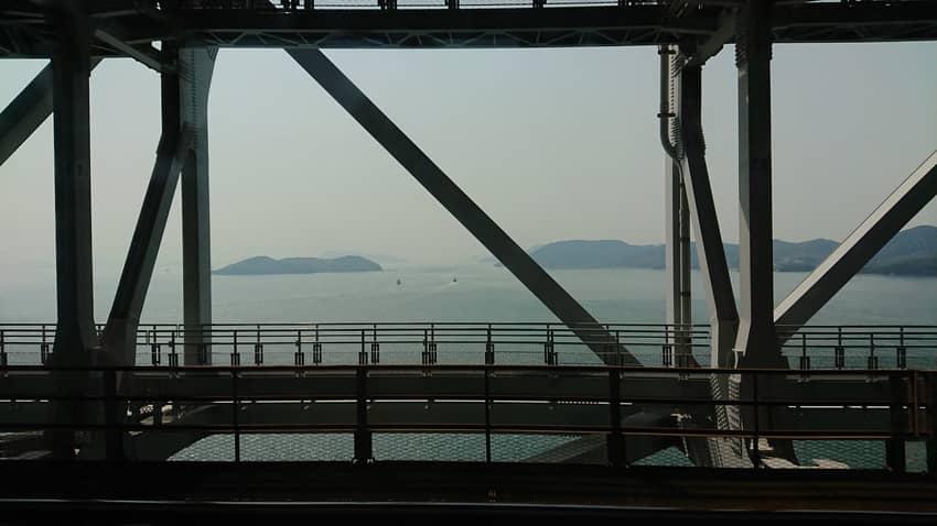 瀬戸大橋からの瀬戸内海の眺め